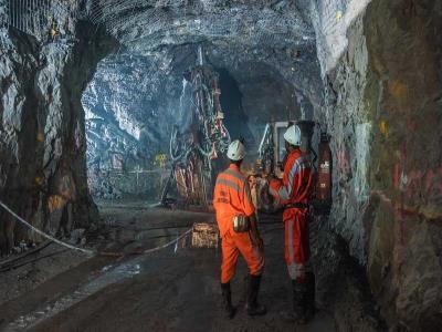 ⏺ انجام مطالعات اکتشافی در ۲۰ محدوده امیدبخش معدنی یزد