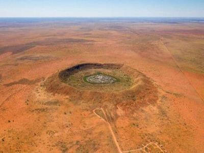 کشف دهانه شهاب سنگ ۱۰۰ میلیون ساله هنگام حفاری طلا